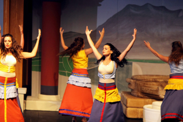 Crete Mythology and Minoan Civilization Dinner with Show