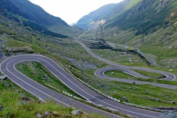 Day Trip toTransfagarasan Road and Dracula's Fortress Poienari from Bucharest