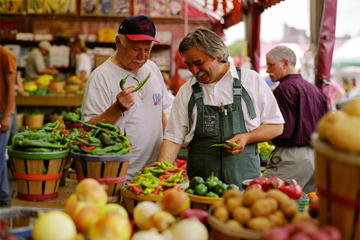 Food Tour of Montreal's Little Italy Including Jean Talon Market