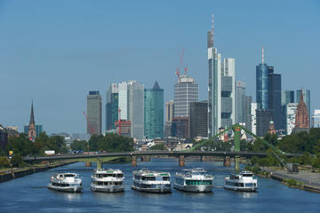 Frankfurt Main River Sightseeing Cruise: Upstream or Downstream