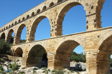 Full-day small group tour to Avignon, Pont du Gard, Orange and Chateauneuf du pape wine tour from Aix-en-Provence