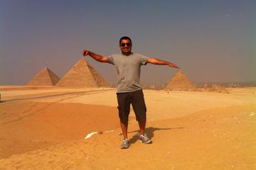 Full-Day Tour Visiting Giza Pyramids and Sphinx Egyptian Museum with Tahrir Square and Khan Khalili Bazaar
