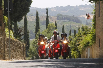 Full Day Tuscany Vespa Tour with Lunch