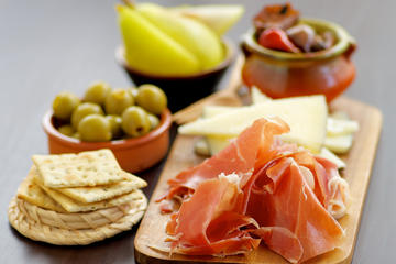 Gourmet Tapas Walking Tour in Seville