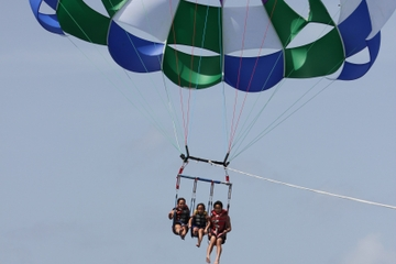 Grand Cayman Parasailing Adventure