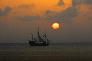 Grand Cayman Pirate Ship Dinner Cruise