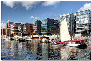 Guided Warehouse District and Harbor City Walking Tour in Hamburg