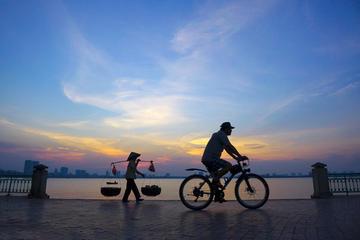 Half-Day Hanoi Foodie Tour on Bike