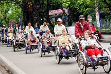 Half-Day Hue City Tour by Cyclo