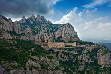 Half Day Tour to Montserrat including Easy Hike and Hotel Pick-up from Barcelona