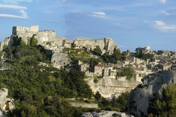 Half-Day Trip to Les Baux de Provence and Luberon from Avignon