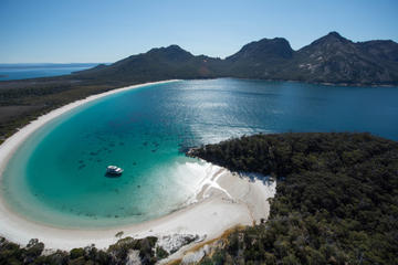 Half-Day Wineglass Bay Cruise Including Lunch