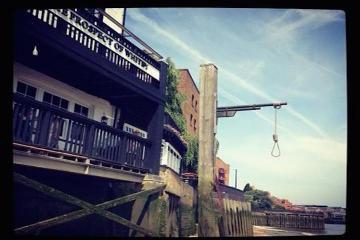 Hangings Harlots and Heretics Walking Tour in London