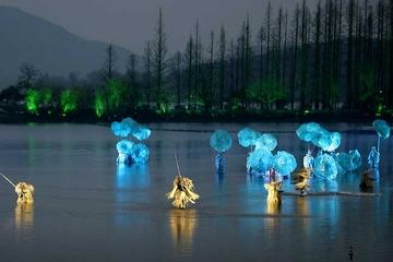 Hangzhou Night Tour: Dinner and 'Impression West Lake' Show