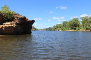 Kakadu Day Tour from Darwin Including Ubirr Art Site, Guluyambi Cultural Cruise and Arnhem Land