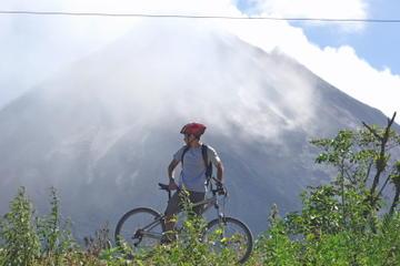 La Fortuna Biking Tour Around Arenal Volcano National Park and Arenal Lake