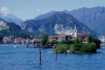Lake Maggiore and Vicolungo Outlet Day Trip from Milan