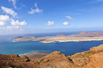 Lanzarote Gems and La Graciosa Island Tour