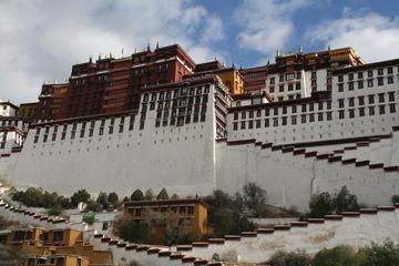 Lhasa Tour: A Glimpse of Tibet