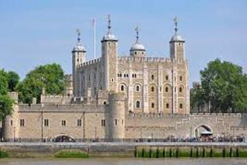 London Day Tour Including Lunch Cruise