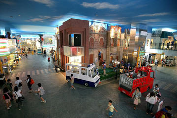 London Hop-On Hop-Off Bus Ticket with Optional KidZania Entry Ticket