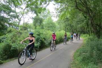 Long Island Independent Bike Tour with Optional Boxed Lunch or Picnic Upgrade
