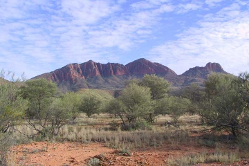 MacDonnell Ranges Hiking Tour: Glen Helen to Mt Sonder