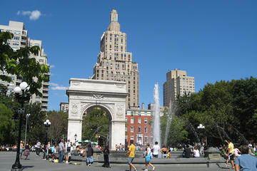 Manhattan Neighborhoods Tour: Five Squares and a Circle