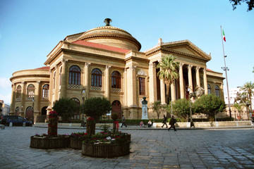 Markets and Monuments: Walking Tour in the Center fo Palermo