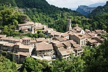 Medieval Villages Day Trip from Costa Brava: Rupit and Besalú