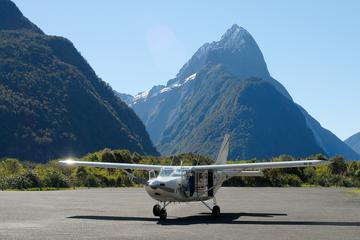 Milford Sound Landing and Glaciers Fly Over