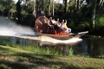 New Orleans Airboat and Mansion Tour with Transportation