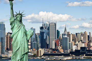 New York City Sightseeing Tour and Round-Trip Ferry
