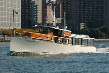 New York Fall Foliage Brunch Cruise Aboard a 1920s-Style Yacht