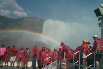Niagara Falls Day Tour with Lunch and Boat Ride