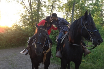 Niagara Falls Sunset Horseback Riding