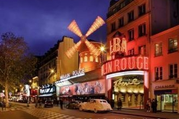 Night Tour - Moulin Rouge Dinner Show with Japanese Assistant