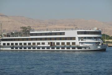 Nile Cruise from Luxor to Aswan 4 Nights 5 Days