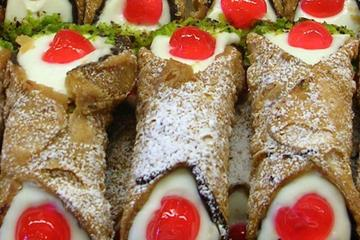 Off the Beaten Path Small- group: Rome Food Walking Tour in Testaccio and Trastevere