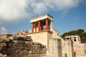 Palace of Knossos Guided Tour with Transport