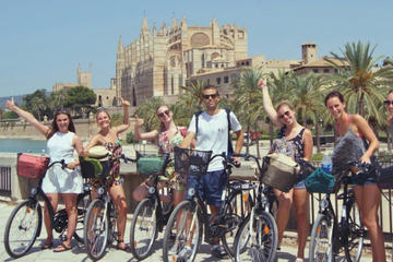 Palma Old Town: Guided Bike Tour in Mallorca