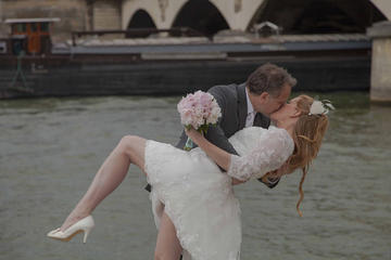 Paris Eiffel Tower Wedding Vows Renewal Ceremony with Photoshoot