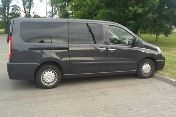 Private Arrival Transfer: Wroclaw Airport to Arrival Hotel