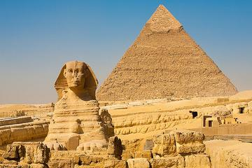 Private Day Tour to Giza Pyramids, Sphinx and Egyptian Museum in Cairo