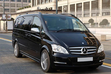 Private Departure Transfer by Luxury Van from Dusseldorf City Centre