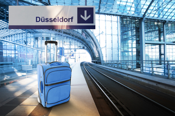 Private Departure Transfer: Hotel to Dusseldorf Train Station