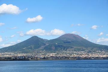 Private Full-Day Tour to Pompeii and Mt. Vesuvius with Winery Visit and Lunch