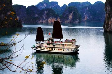 Private: Halong Bay Full-Day Cruise from Hanoi