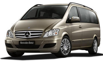 Private Limousine Transfer Treviso Airport to Venice City Center by Van and Water Taxi up 4Pax