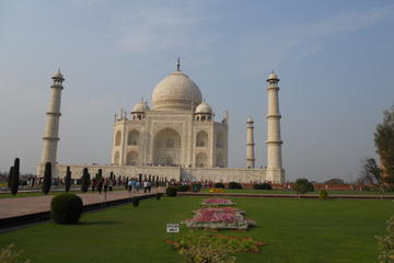 Private Luxury Tajmahal day Tour by Express Way From Delhi